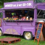 F& B Article :- Restaurant or Food Truck: Which Is Better for a Beginner?